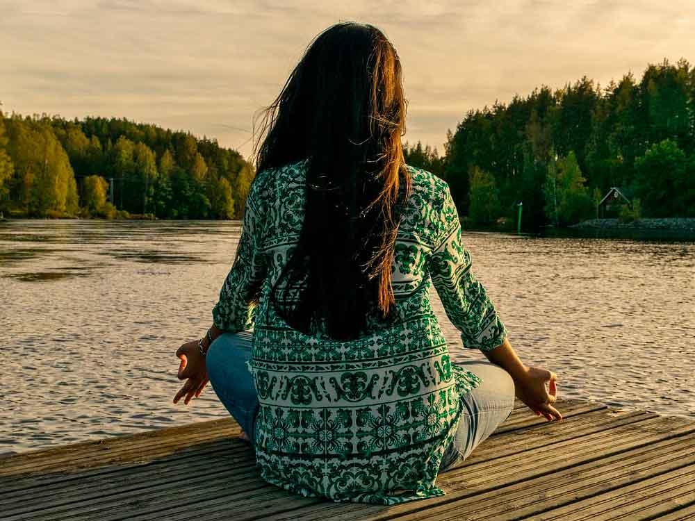 Femme en méditation